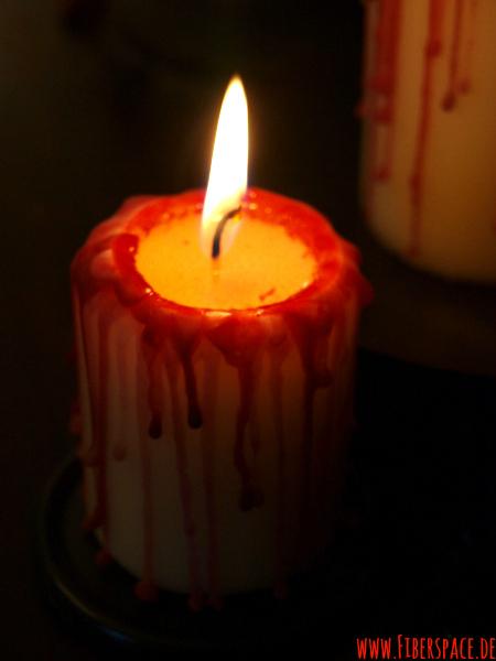 Blutüberströmte Kerzen Gothic