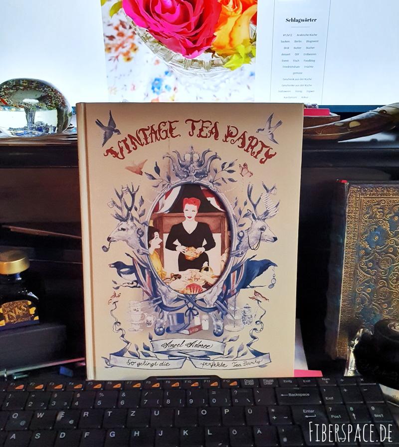 """Buch """"Vintage Tea Party. So gelingt die perfekte Tea Party"""" von Angel Adoree Strawbridge"""